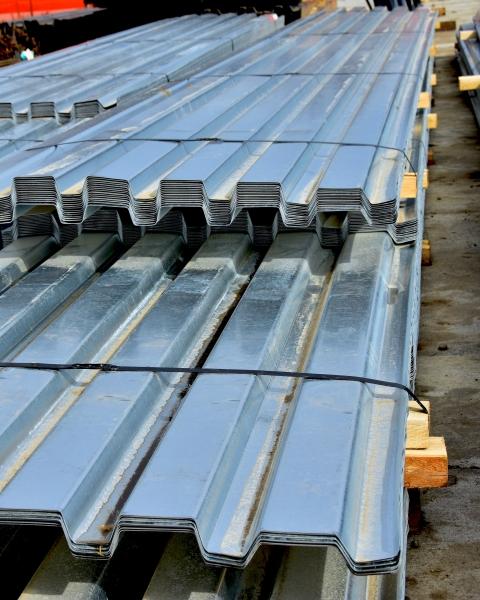 Steel building material